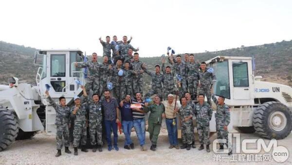 2018年,徐工与维和部队一同完成道路援建