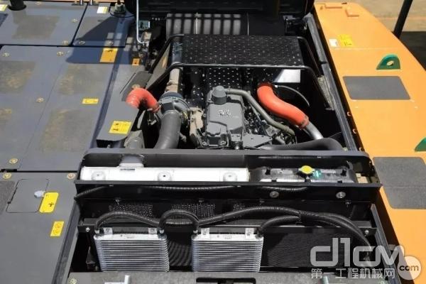 配备6缸直列五十铃GH-6HK1X发动机
