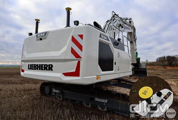 全球首台利勃海尔-徕卡挖掘机——新型R 934 Litronic履带挖掘机