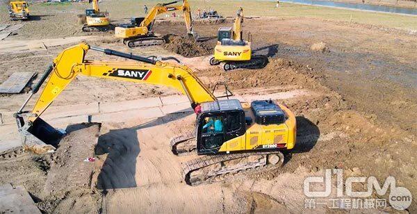三一SY200C Plus挖掘机