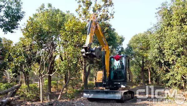 三一SY60Cpro挖掘机在施工