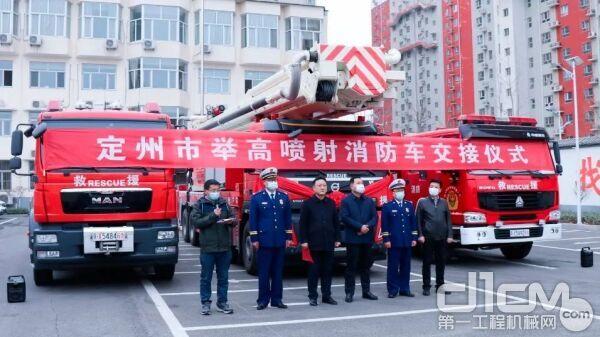 国内首台国六巨型举高类消防车,徐工JP72G1荣耀入列