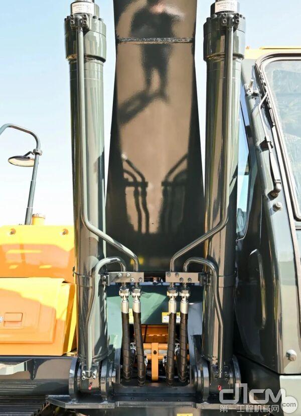 进口川崎主泵 进口现代主控阀、行走马达和回转马达