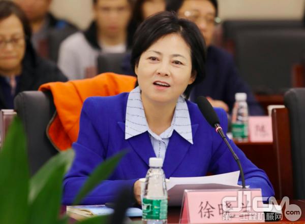 全国政协委员、中国工业互联网研究院院长徐晓兰
