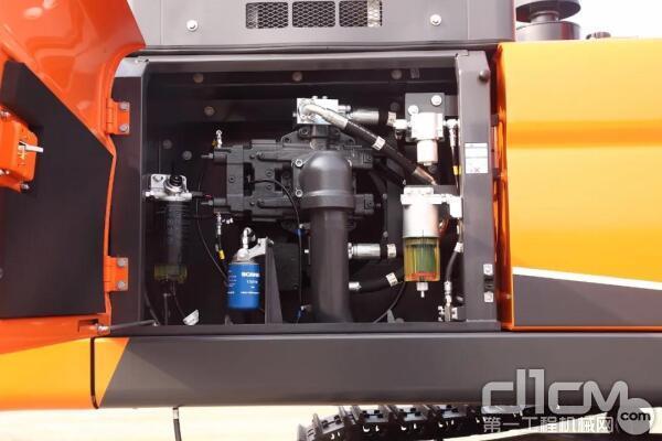 DX450LC-9C配置了欧洲原装进口、低转速大扭矩斯堪尼亚发动机