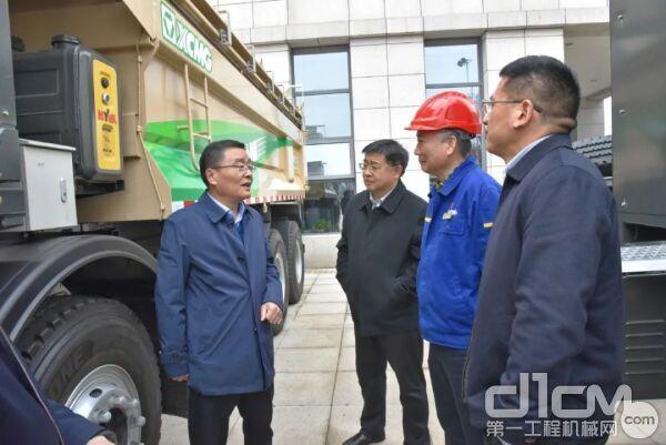 赵副市长对徐工在新能源汽车及基础配套设施方面的突破性实践表示认可