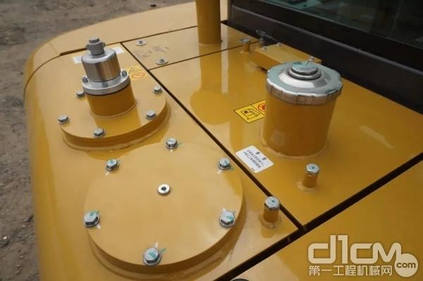 注意检查发动机及液压系统正常使用