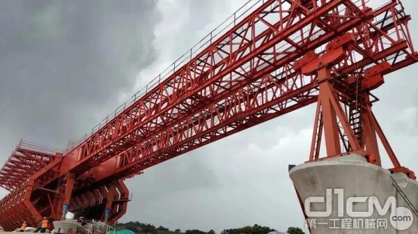 ▲国内跨度最大的40.6米移动模架