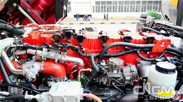三一正义版460N搭载的玉柴YCK13N燃气发动机燃气耗低,比同排量国五机型气耗降低5% 图