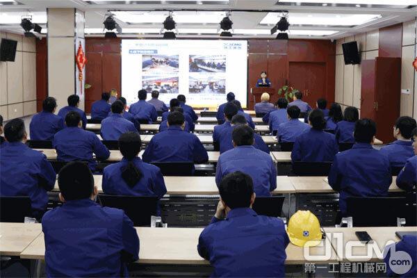 徐工铲运机械事业部后备管理人才攀登计划项目实战营正式启动