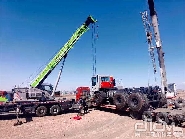 中联重科矿用自卸车ZT118卸车运输到西北某矿山