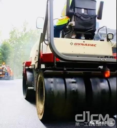戴纳派克CP275胶轮压路机专用于沥青面层的复压工序