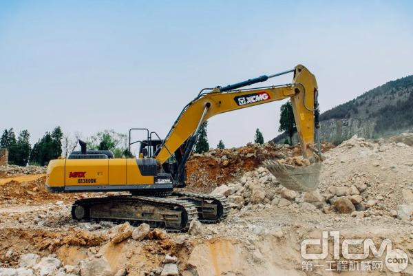 徐工XE380DK MAX挖掘机