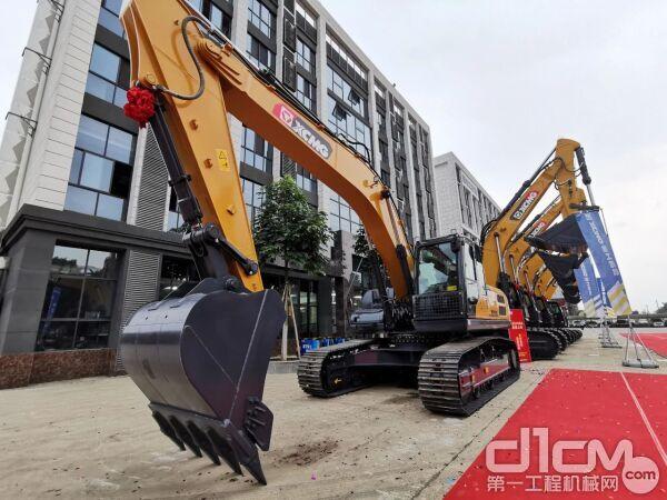 徐工XE310DA挖掘机
