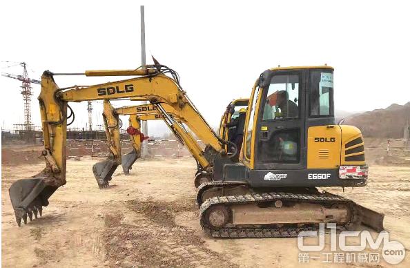 临工LG660F挖掘机