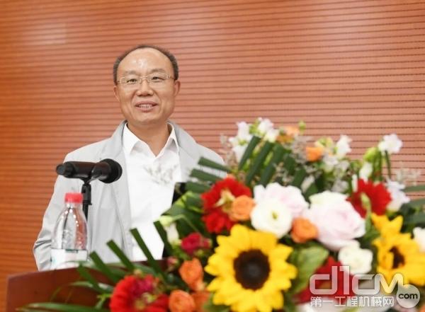 中国煤炭工业协会纪委书记张宏对论坛进行总结