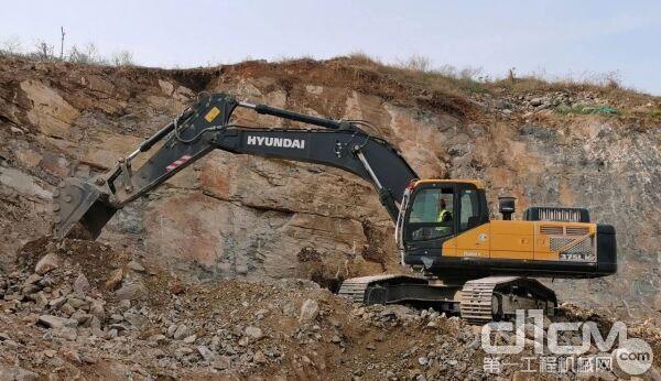 现代R375LVS挖掘机