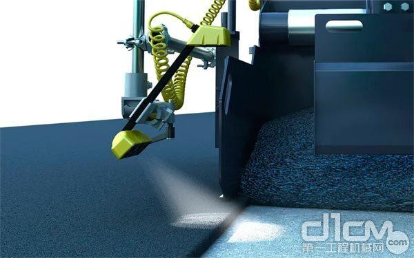 MatTracker™是专用于摊铺边缘智能跟踪的外设辅助系统
