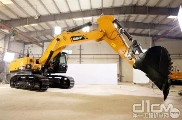 三一SY650大型<a href=http://product.d1cm.com/wajueji/ target=_blank>挖掘机</a>