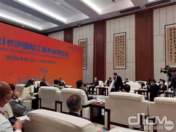 湖南省领导会见部分参会嘉宾代表