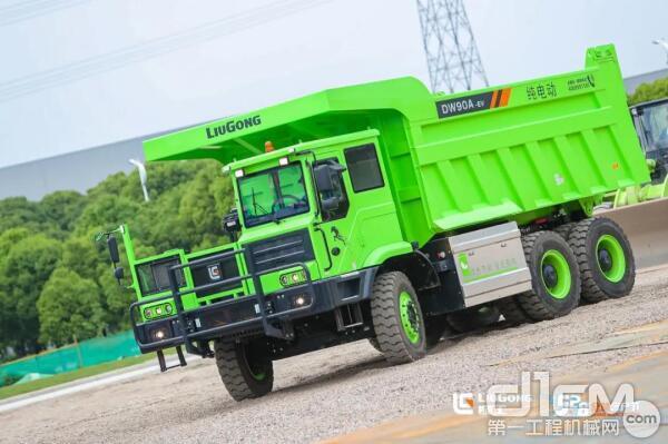 DW90A-EV纯电动宽体车