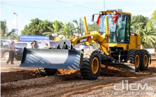 柬埔寨51号公路复建工程