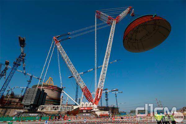 △2018年,中国首台3000吨级履带吊——中联重科3200吨起重机助力第二台华龙一号穹顶吊装