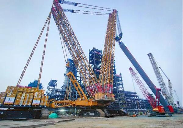 徐工XGC88000吊装千吨级渣油加氢一级悬浮床反应器XR-1101B