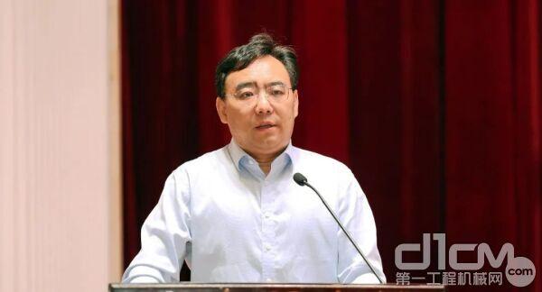 山东临工党委书记、总经理文德刚