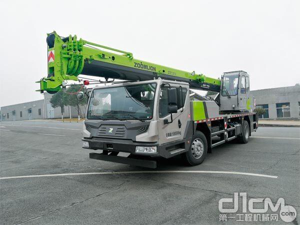 △中联重科12吨节能型汽车起重机ZTC121V461