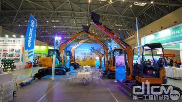 徐工小型挖掘机亮相重庆农机展!