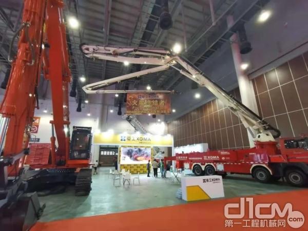 厦工XG5400JXFJP48举高喷射压缩空气泡沫消防车