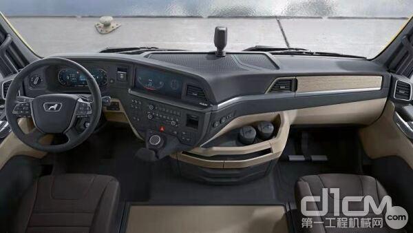 在驾驶舒适性、驾乘环境、安全性、燃油效率、车联网、创新服务、整车操控性以及显示理念等方面同样表现卓越