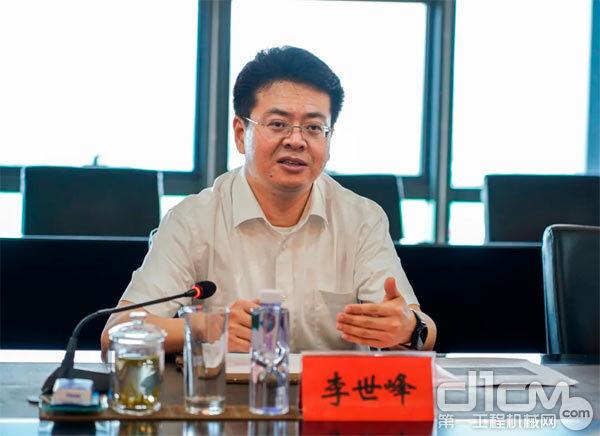 黑河市委副书记、市长李世峰 图