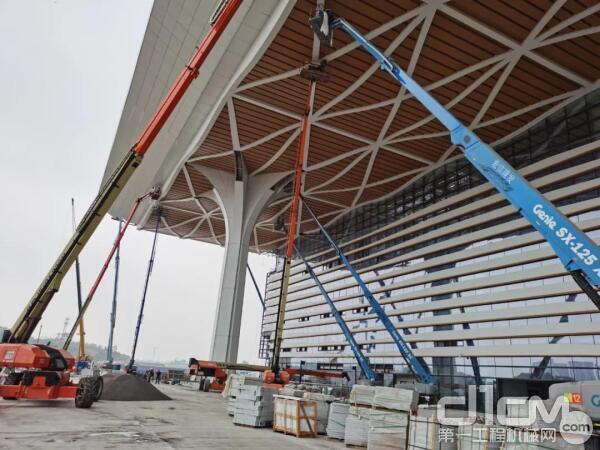 宏信建发助力泸州迈入高铁新时代