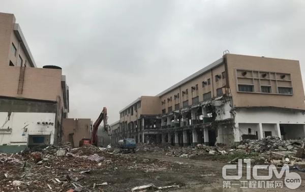 各类建筑物大拆大建,产生大量的建筑垃圾