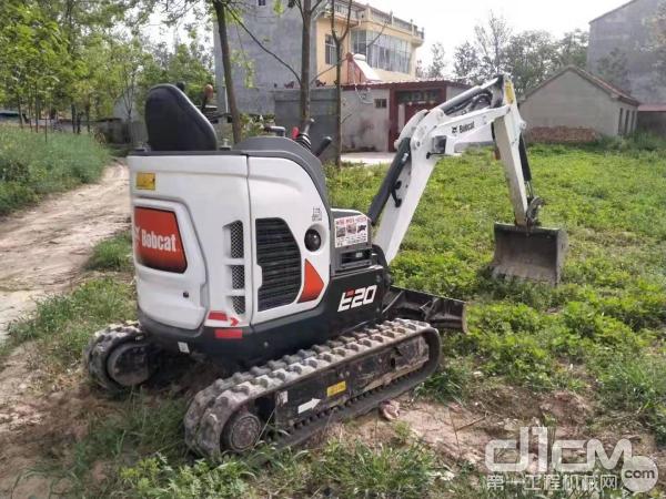 山猫E20挖掘机凭借诸多优势成为实用效率机型的卓越代表