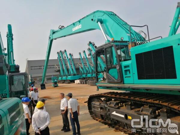 山河智能SWE950ELR挖掘机