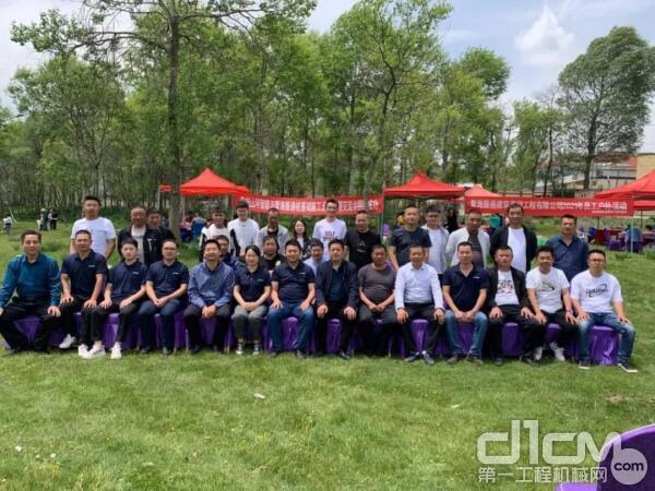 在青海省,服务人员深入青海振通建筑基础工程有限公司进行走访调研