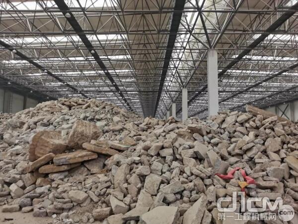 每10000平米建筑施工面积平均产生550吨建筑垃圾