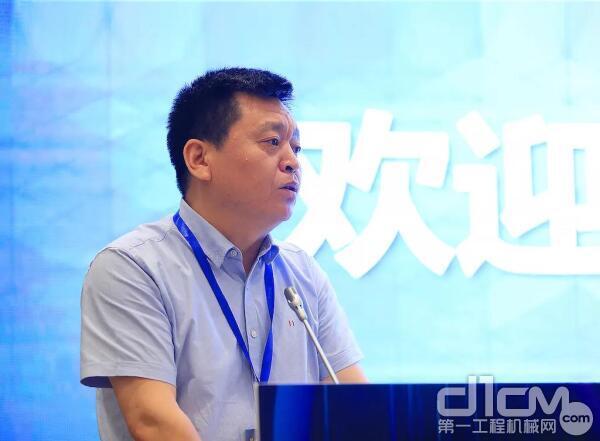 杜海涛:推动具有中国特色的工程机械代理制行稳致远