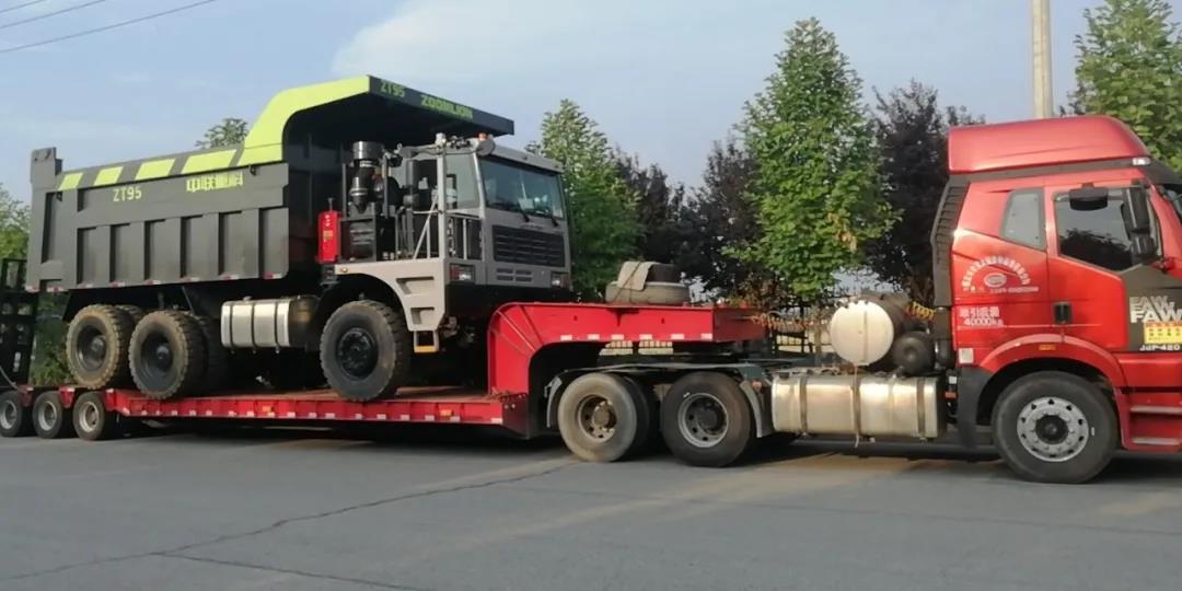 中联重科矿卡发车支援新疆建设