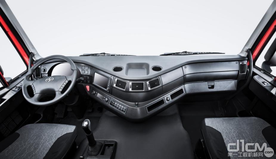 红岩杰狮C500 AMT牵引车驾驶室