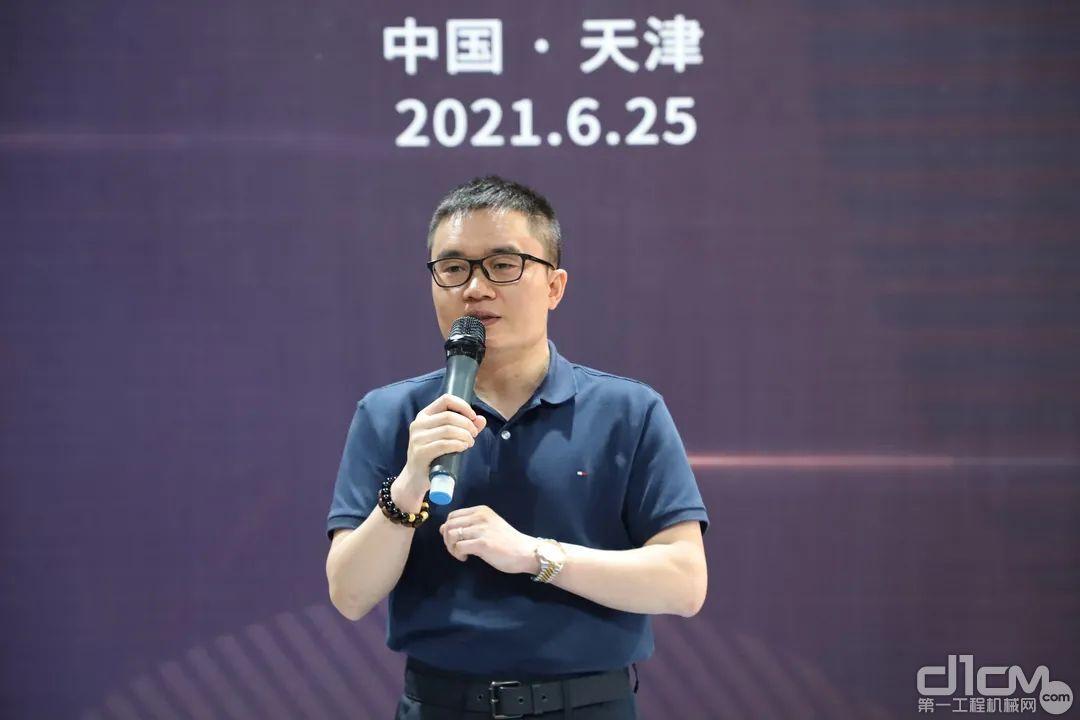 诺力总经理助理顾梓城代表公司欢迎华北区各位经销商