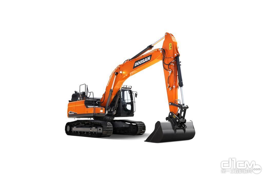 斗山推出新型 DX225LC-7 履带式挖掘机