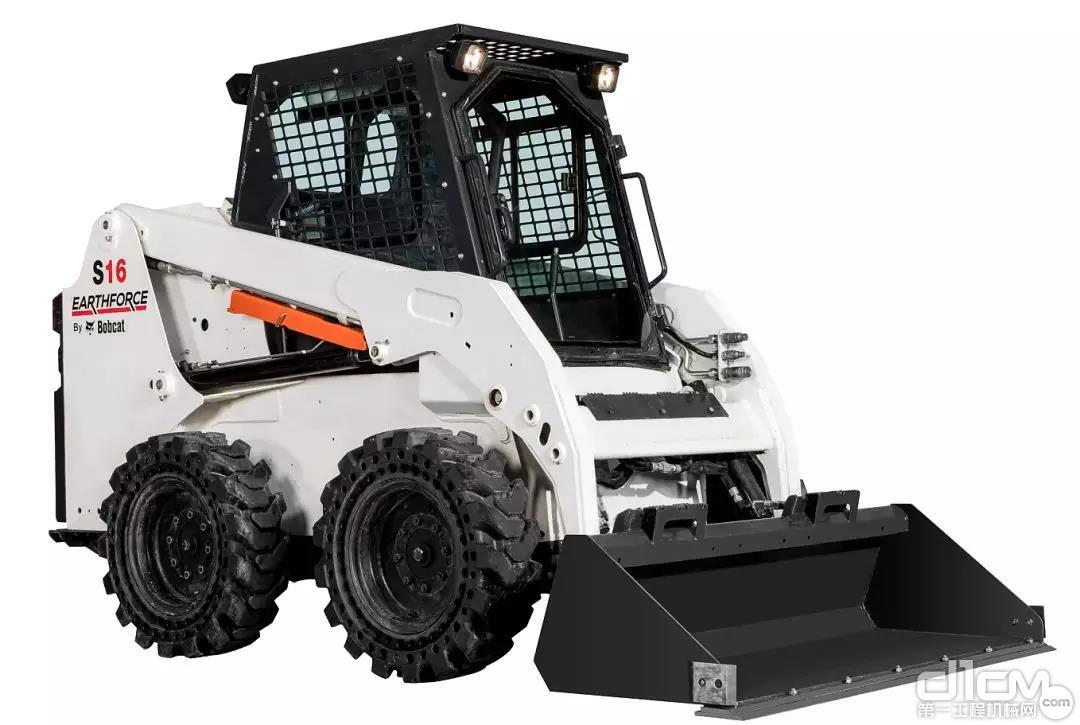 山猫滑移装载机