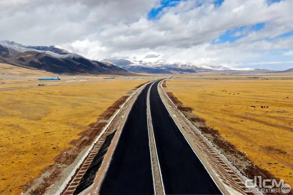 青藏公路109段风光