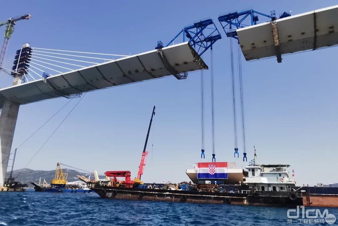中国企业承建的克罗地亚佩列沙茨跨海大桥成功合龙