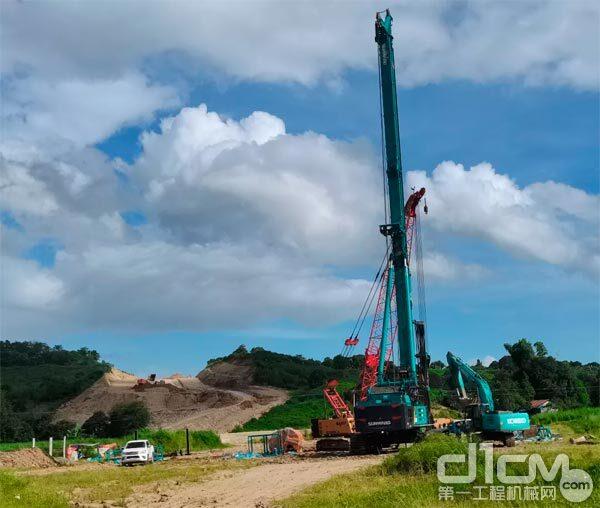 山河智能最大旋挖钻机SWDM600在菲律宾跨海大桥建设项目基地完成组装