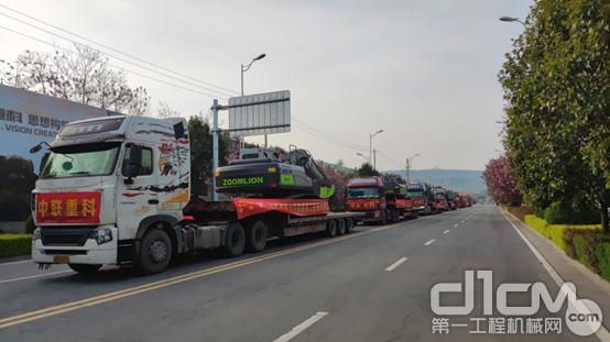 中联重科土方机械东南亚批量发货100台